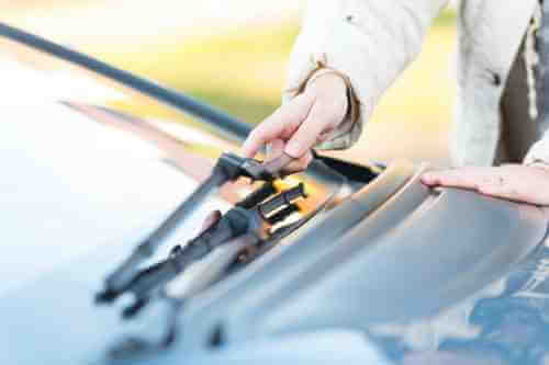 Changing your own windshield wipers