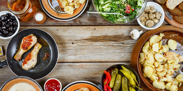 host-a-potluck-to-save-money-at-your-holiday-party