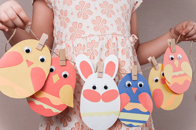 cheap-easy-easter-crafts-cutout-bunnies-on-string